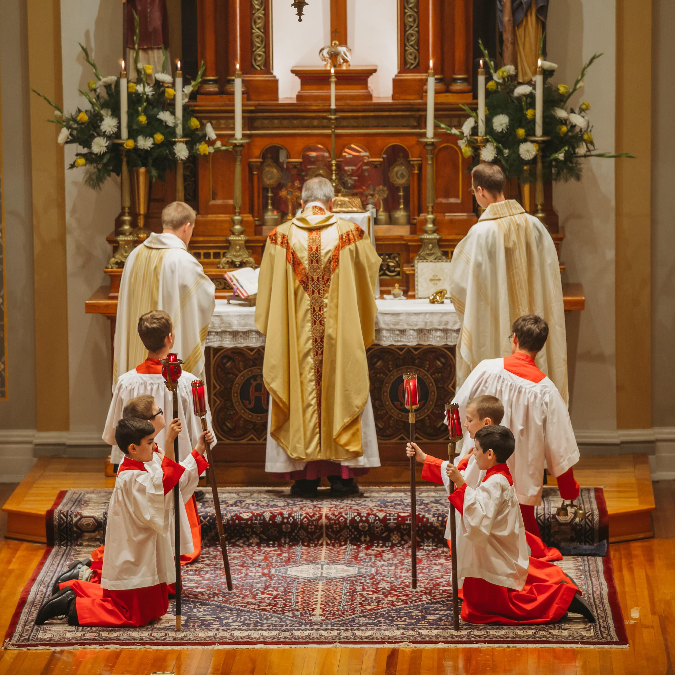 Mass Altar